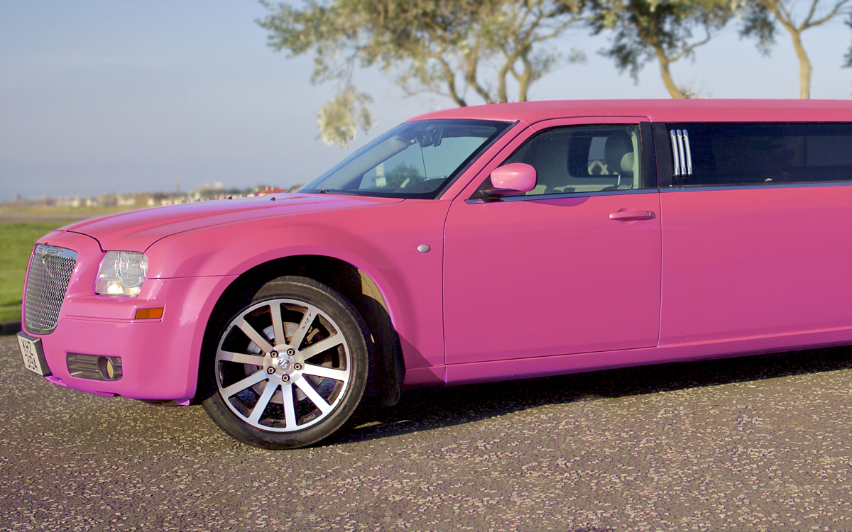 pink limo hire for weddings in ayrshire and glasgow